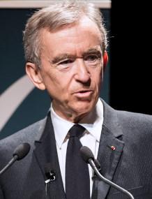 Bernard Arnault / Author Jérémy Barande / Ecole polytechnique Université Paris-Saclay / CC BY-SA (https://creativecommons.org/licenses/by-sa/3.0)