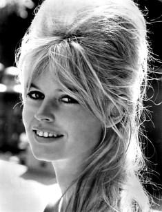 Brigitte Bardot / Author : MGM / CC BY-SA (https://creativecommons.org/licenses/by-sa/3.0)