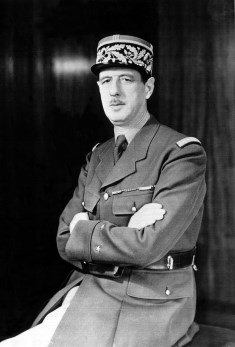 Charles de Gaulle / Author : Office of War Information, Overseas Picture Division. / CC BY-SA (https://creativecommons.org/licenses/by-sa/3.0)