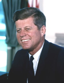 John F. Kennedy / CC BY-SA (https://creativecommons.org/licenses/by-sa/3.0)