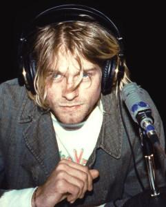 Kurt Cobain / Author : Julie Kramer, 1991 / CC BY-SA (https://creativecommons.org/licenses/by-sa/3.0)
