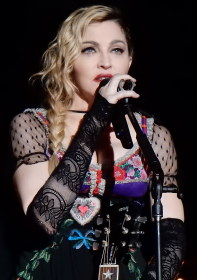 Madonna / Author : Chrisweger Madonna Rebel Heart Tour 2015 / CC BY-SA (https://creativecommons.org/licenses/by-sa/3.0)