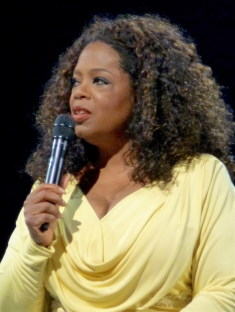 Oprah Winfrey / Author : flickr.com 10-2014 / CC BY-SA (https://creativecommons.org/licenses/by-sa/3.0)