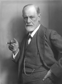 Sigmund Freud / circa 1921 / Auteur Max Halberstadt / CC BY-SA (https://creativecommons.org/licenses/by-sa/3.0)