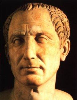Jules César imposera le calendrier Julien, un grand progrès par rapport à ce qui existait.