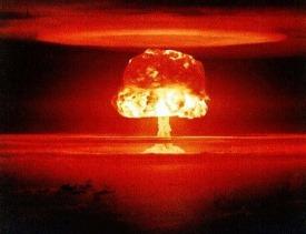 Pluton est la planète des bouleversements, des destructions totales dans un but de régénération et de transformation des choses. Planète découverte vers 1945, en même temps que la bombe atomique, ses effets possèdent une analogie certaine avec elle.