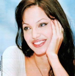 Qui sera l'homme le plus parfait sur le plan sexuel pour Angelina Jolie ?