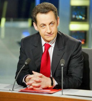 Nicolas Sarkozy concentré avant le débat en direct avec 100 français, en février 2007