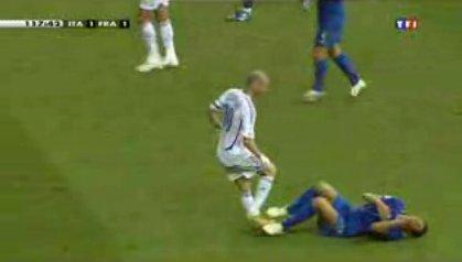 Materazzi souffre, pour une fois, il ne simule pas